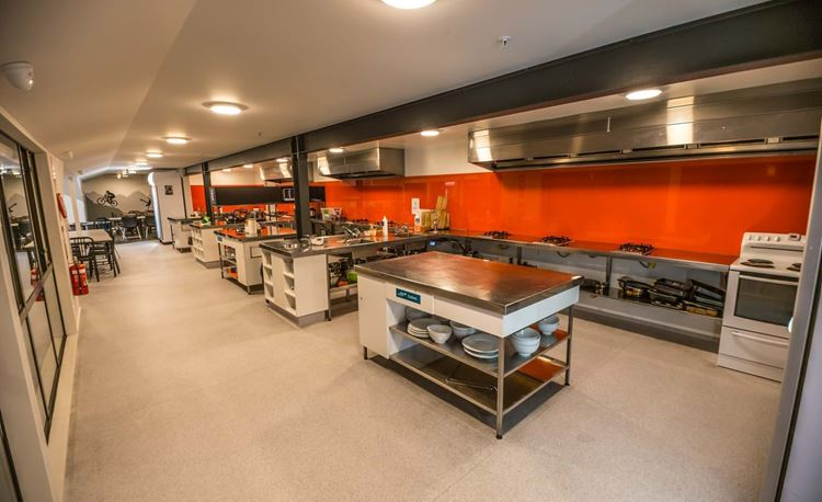 YHA Queenstown Lakefront large communal kitchens with all utensils and cooking equipment