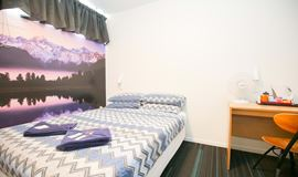 YHA Auckland International backpacker hostel double bedroom